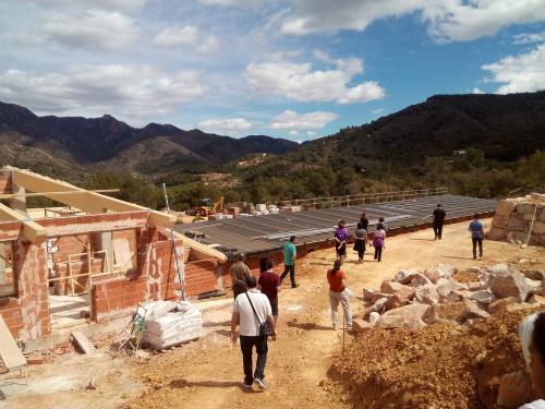 Instalación fotovoltaica de autoconsumo para complejo ecoturístico