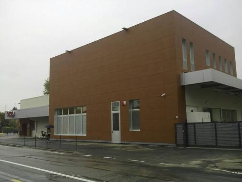 Instalación de fachadas ventiladas de madera certificada