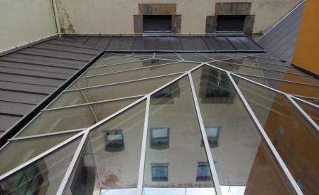 Cubierta de cristal para edificio geriátrico - DERI 10