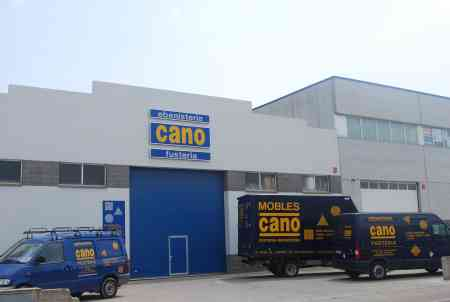 Renove de furgoneta de reparto. FUSTERIA CANO-16