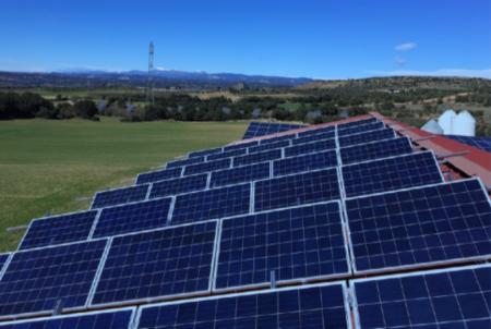 Energía solar aislada para granja de Huesca - LENDEL MEDIA SOLUTIONS